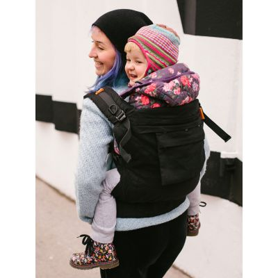Beco Toddler Carrier Metro Black backcarry toddler in cold weather