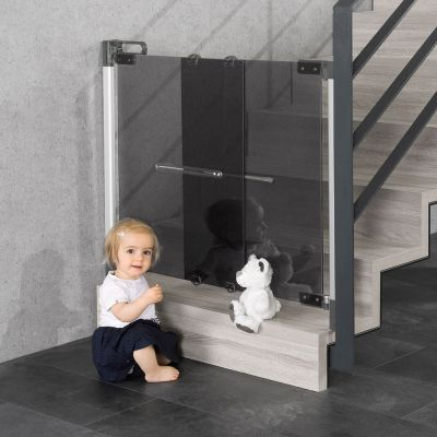 Reer DesignLine Clearvision Wall Mounted Gate at the bottom of stair