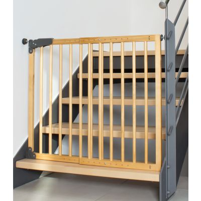 Reer T-Gate Twin Fix Gate, Active Lock, Wood as pressure mounted fence on stairs