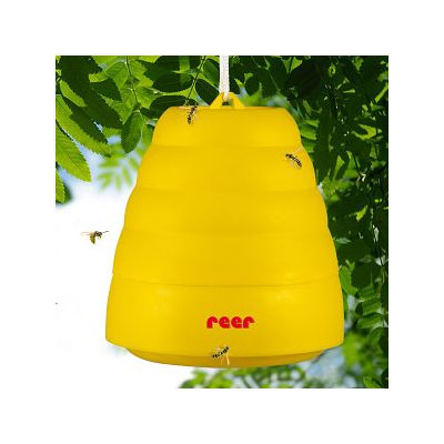 Reer Universal Wasp Trap (6601) attract and trap wasps to reduce risk of being stung by wasps